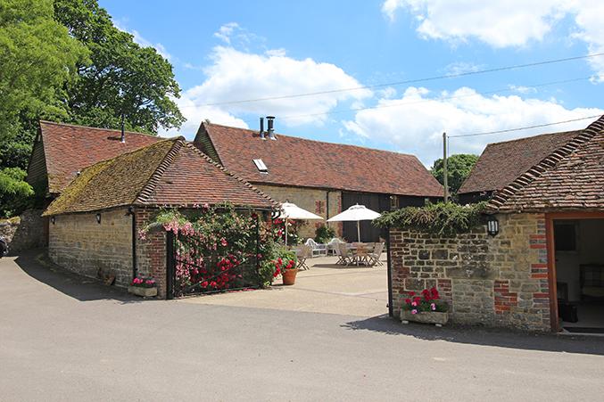 Fitzleroi Barn entrance venue